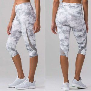 Lululemon Pace Perfect Crop Breeze By White